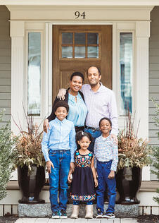 Love in Covid19 times - front door family portrait - Andre Toro Photography-116