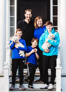 Love in Covid19 times - front door family portrait - Andre Toro Photography-132