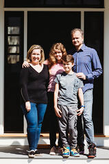 Love in Covid19 times - front door family portrait - Andre Toro Photography-19