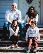 Love in Covid19 times - front door family portrait - Andre Toro Photography-31