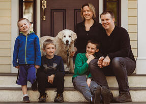 Love in Covid19 times - front door family portrait - Andre Toro Photography-36