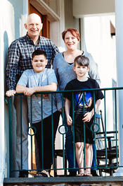 Love in Covid19 times - front door family portrait - Andre Toro Photography-39