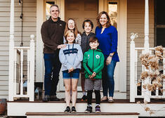 Love in Covid19 times - front door family portrait - Andre Toro Photography-50