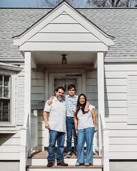 Love in Covid19 times - front door family portrait - Andre Toro Photography-56