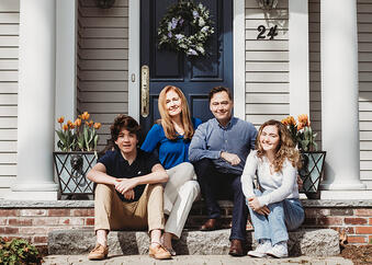 Love in Covid19 times - front door family portrait - Andre Toro Photography-60