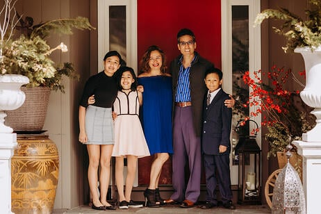 Love in Covid19 times - front door family portrait - Andre Toro Photography-61