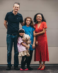 Love in Covid19 times - front door family portrait - Andre Toro Photography-63