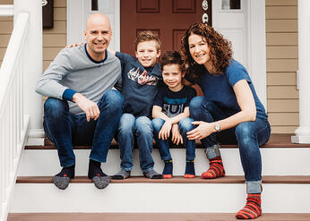 Love in Covid19 times - front door family portrait - Andre Toro Photography-72