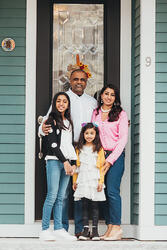 Love in Covid19 times - front door family portrait - Andre Toro Photography-81