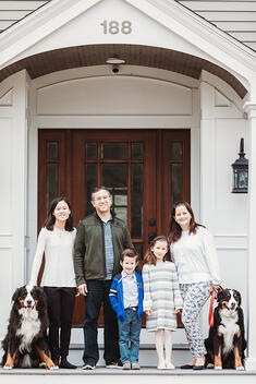 Love in Covid19 times - front door family portrait - Andre Toro Photography-88
