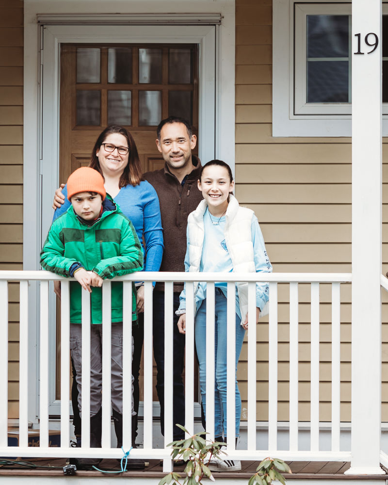 Love in Covid19 times - front door family portrait - Andre Toro Photography-90