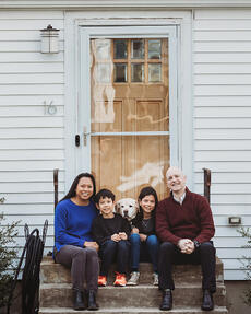 Love in Covid19 times - front door family portrait - Andre Toro Photography-99